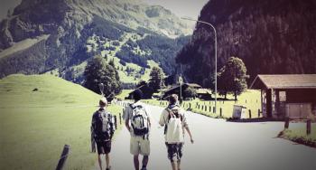Pfadfinder beim Hike in den Bergen